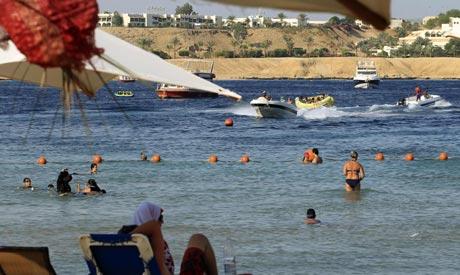 """Egyptens president Morsi tillkännager att """"Beach-tourism"""" är här för att stanna."""